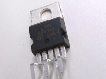 ST MICRO L165