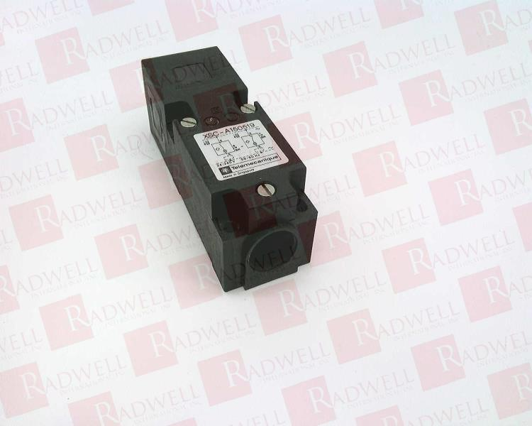 SCHNEIDER ELECTRIC XSC-A150519 USED TESTED CLEANED XSCA150519